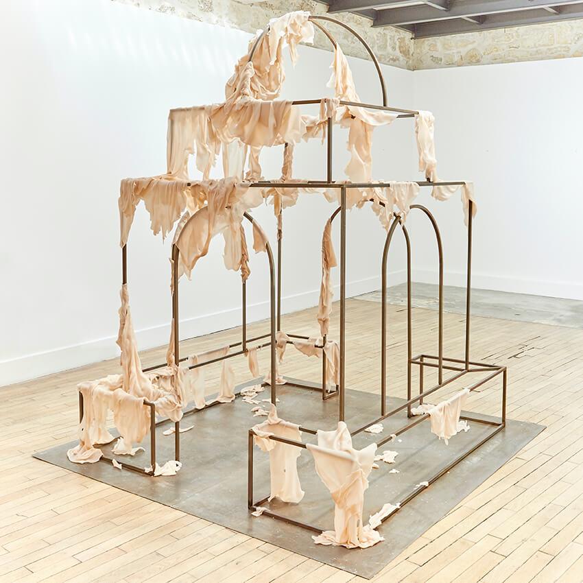 Juliette Minchin, Omphalos, installation